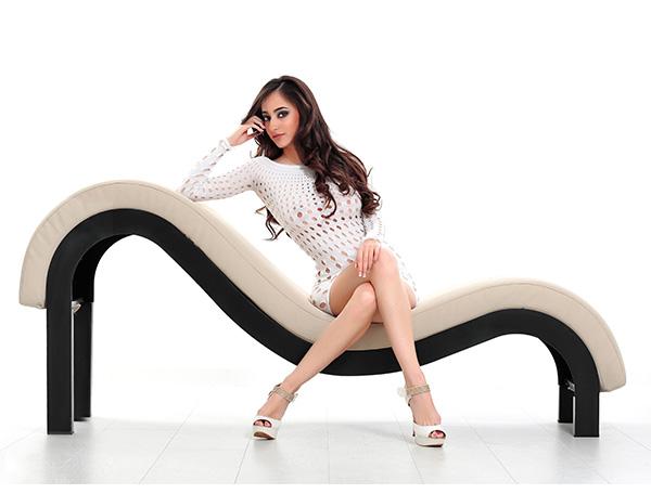 sentada-sillon-blanco_1